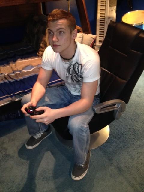 Junior+Aaron+Fenton+Feeds+His+Video+Game+Addiction++
