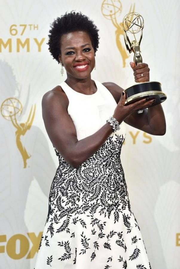 Viola+Davis+with+her+Emmy+Award+for+%22Outstanding+Lead+Actress+in+a+Drama+Series%22+last+year+%28photo+courtesy+of+kansascity.com%29.