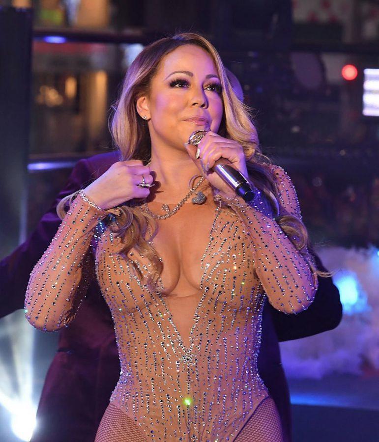 Mariah Carey mid-performance at Dick Clark's New Year's Rockin' Eve (courtesy of ijr.com).