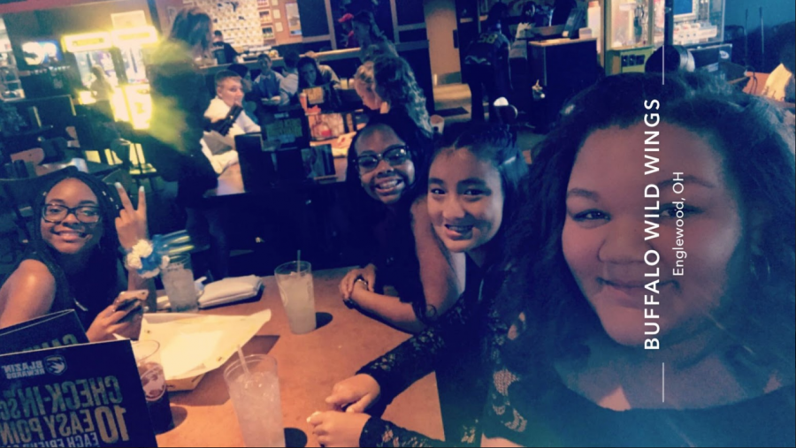 Friends+at+BW3s+about+to+go+to+the+dance.