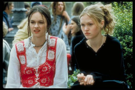 "Holiday Outfit Guide. (Photo courtesy of IMDb ""10 Things I Hate About You"")"