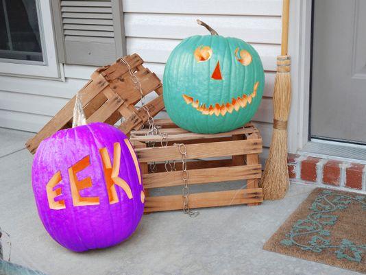 Purple pumpkins signify epilepsy awareness, while teal pumpkins signify allergy awareness. Courtesy: Google Images.
