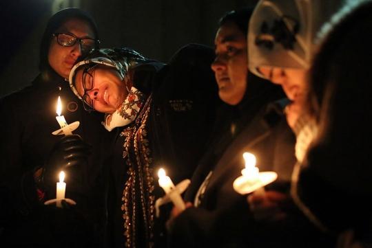 Chapel Hill community members at the vigil for murdered Muslims Deah Barak, Yusor Abu-Salha and Razan Abu-Salha. Courtesy of FirstLook.org