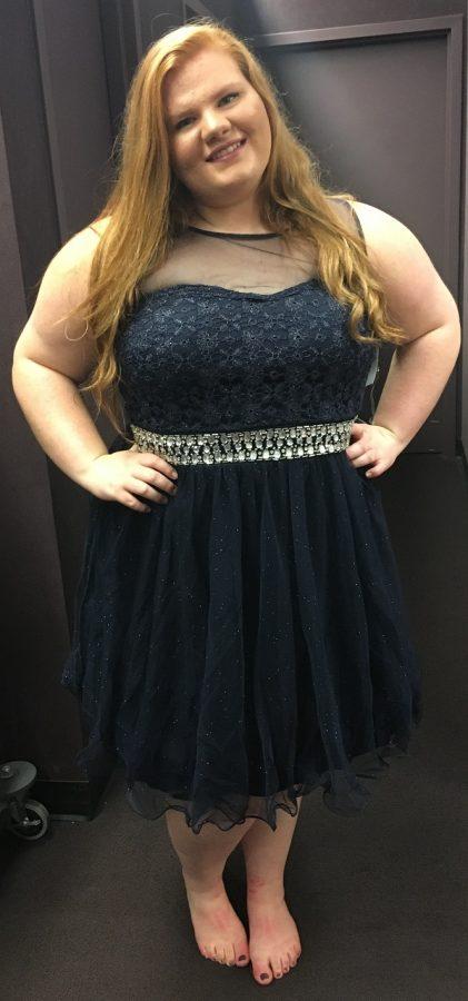 Sophomore+Sophia+Reser+shops+for+a+homecoming+dress.