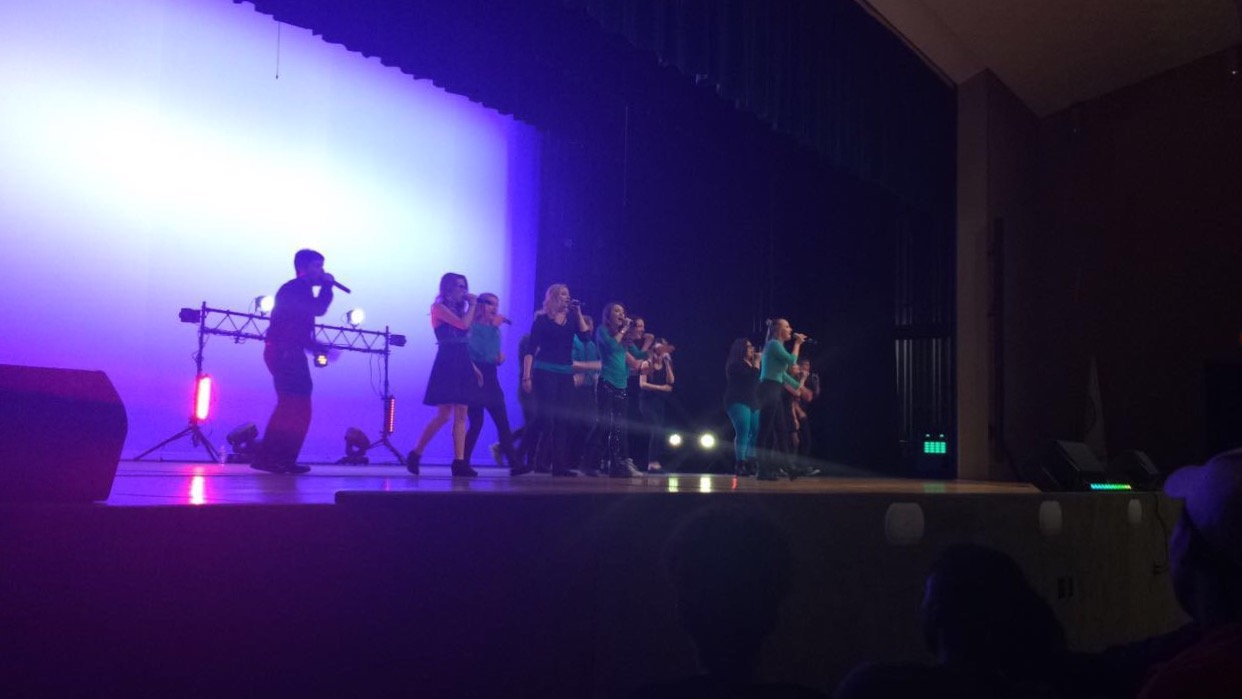 Northmont%27s+A+cappella+group+Catalyst+sings+at+the+last+concert+for+the+school+year+%28image+courtesy+of+Reana+Liedle%2C+TNT+News%29.