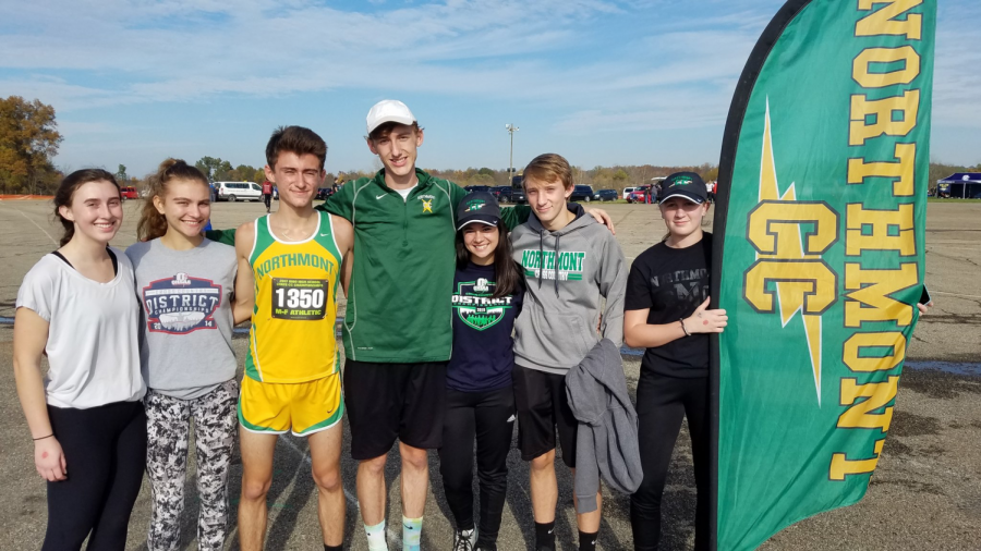 Cross+Country+athletes+stand+together+at+National+Trail+Raceway+after+Beireis%27s+race+%28courtesy+of+%40NThunderbolts+on+Twitter%29.+Beireis+is+third+from+left.